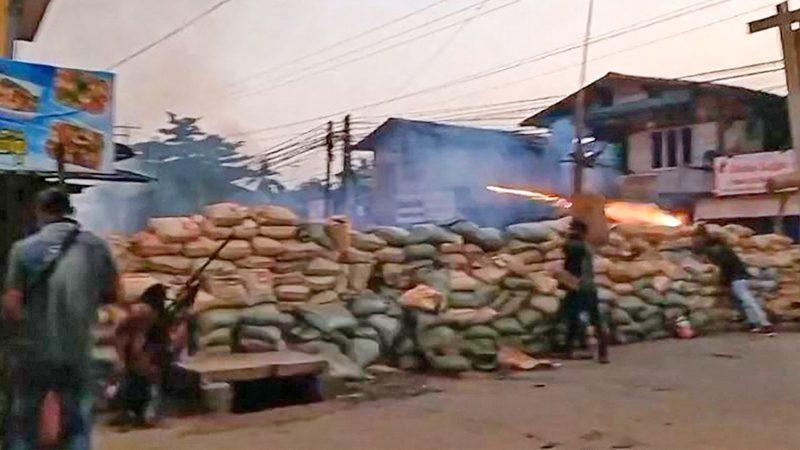 """ทัพพม่า """"สั่งประหาร"""" 19 คนโยงฆ่าร้อยเอกแจงทหาร-ตำรวจสังเวยกว่า 260 นาย!"""
