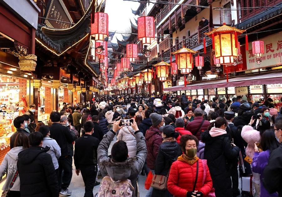 จีนคาด 'รายได้ท่องเที่ยว' ครึ่งปีแรก สูงแตะ 1.2 ล้านล้านหยวน