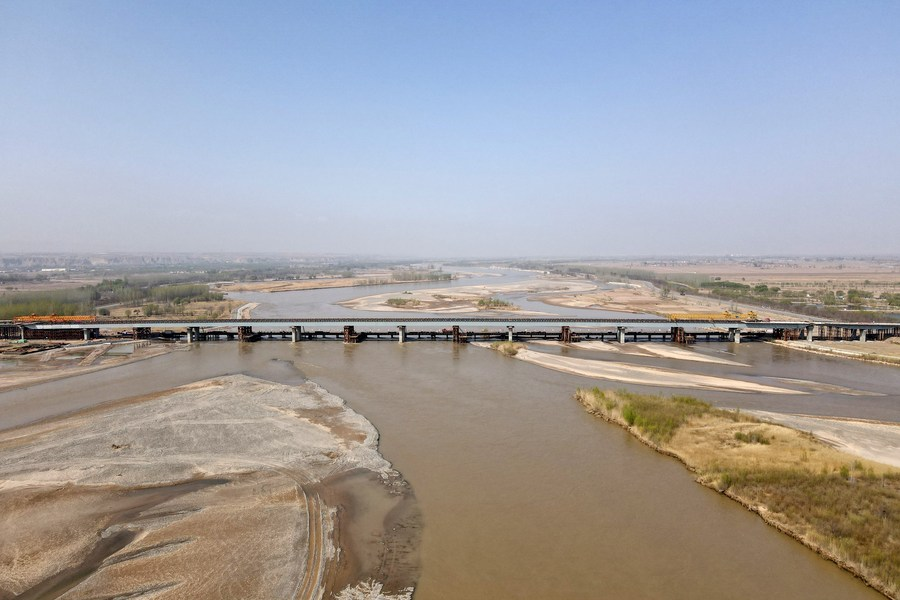 หนิงเซี่ยเชื่อม 'สะพานข้ามแม่น้ำเหลือง' ยาว 1,289 เมตรเสร็จสิ้น