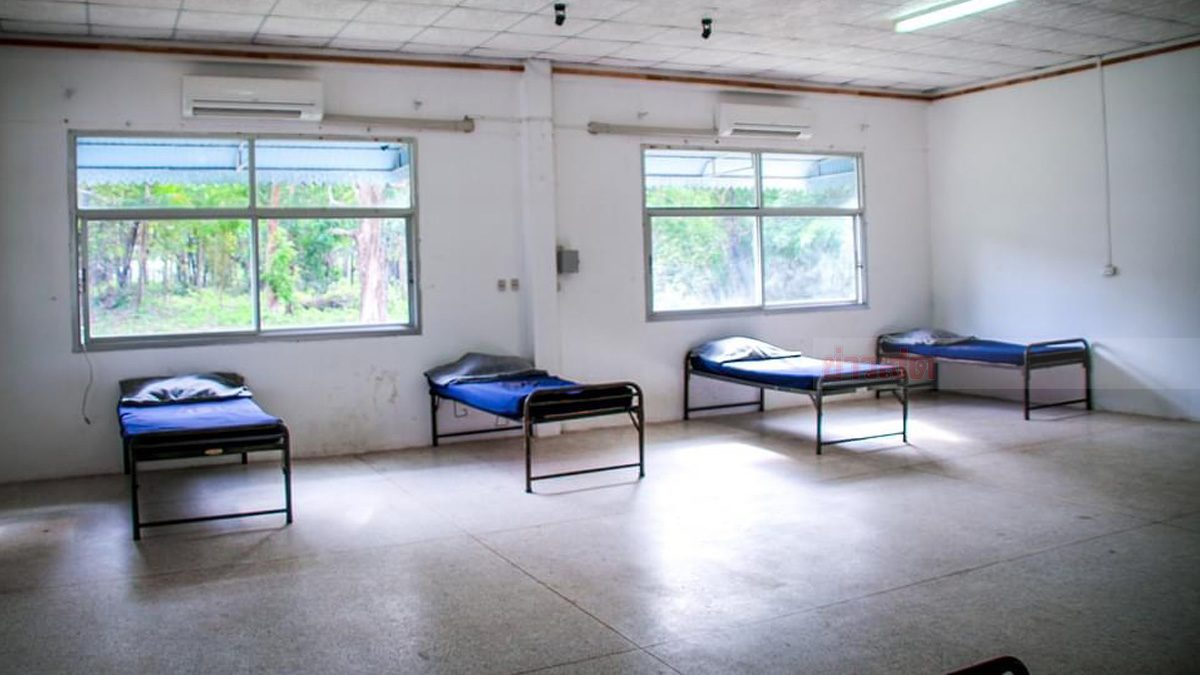 รองผวจ.กระบี่ ตรวจพื้นที่สร้างรพ.สนาม เพิ่มสำหรับ ผู้ป่วยอาการไม่รุนแรง
