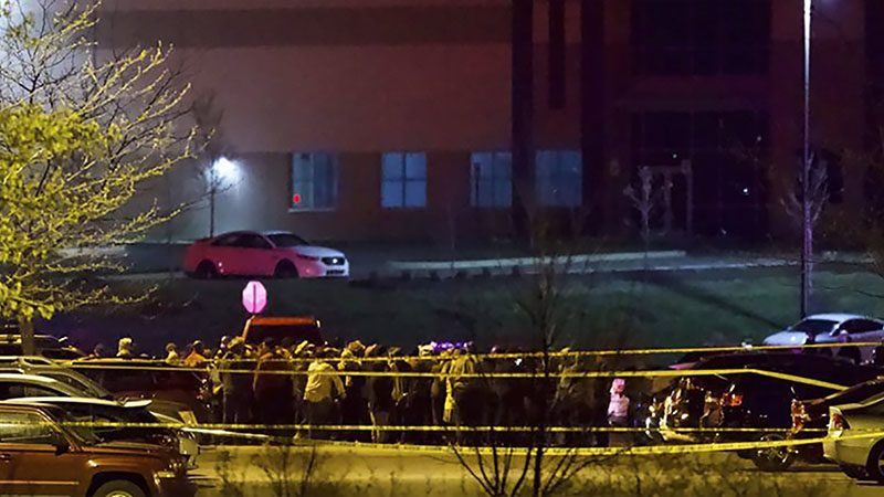 สหรัฐกราดยิงอีก มือปืนลั่นไก 8 ศพ คลังสินค้า FedEx ก่อนปลิดชีพ