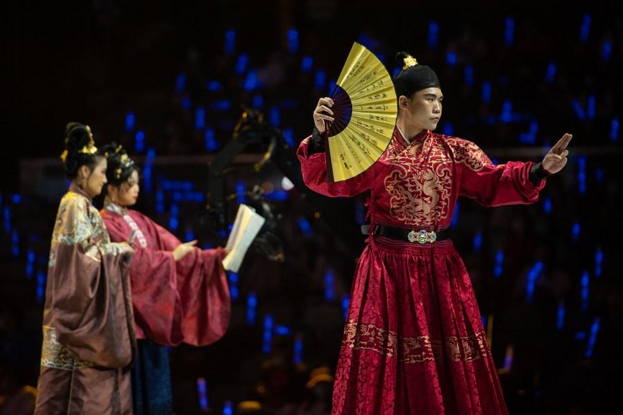 งามสง่า! มาเก๊าฉลอง 'วันเครื่องแต่งกายแห่งชาติจีน'