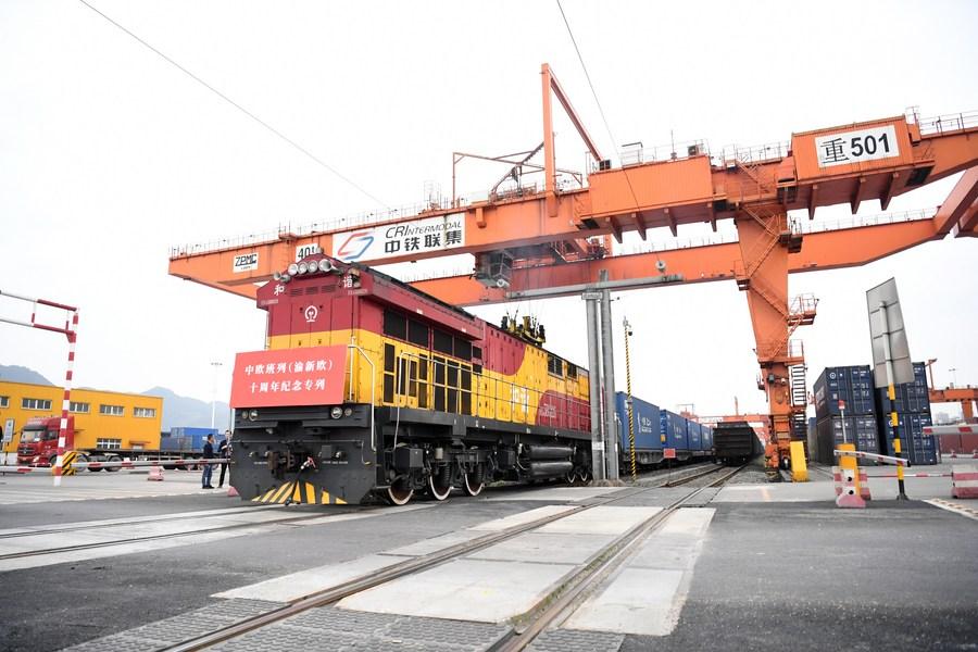 'ฉงชิ่ง' ต้อนรับรถไฟสินค้าขบวนแรกจาก 'เวียดนาม' หนุนการค้าทางบก-ทะเล