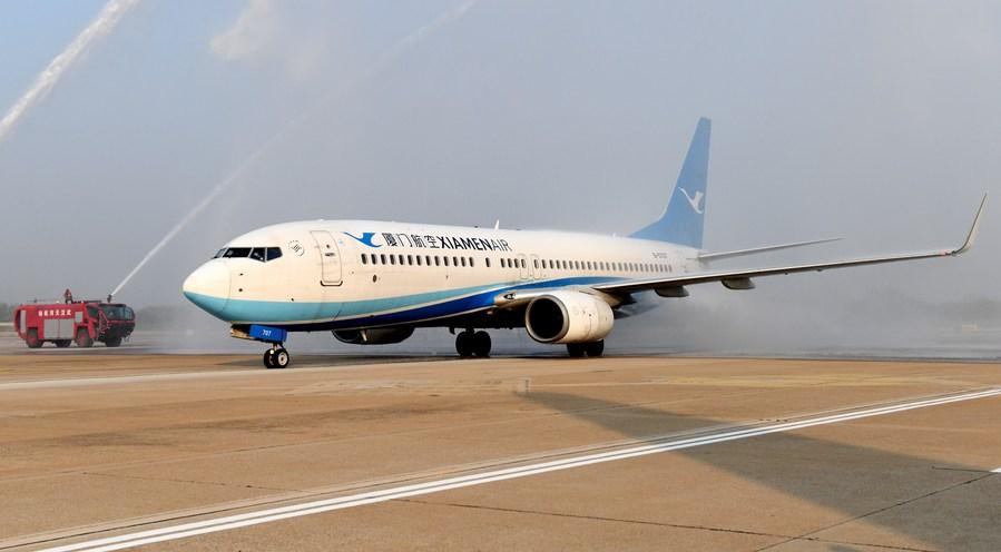 จีนระงับสองเที่ยวบินระหว่างประเทศ หลังพบผู้โดยสารป่วยโควิด-19