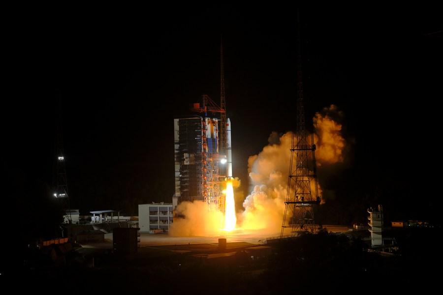 จีนส่งกลุ่มดาวเทียมสำรวจระยะไกล 'เหยาก่าน-30' สู่ห้วงอวกาศ