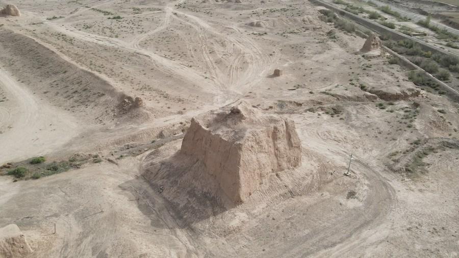 สำรวจ 'ซากนครโบราณ' ราชวงศ์ฮั่น-ถัง ในกานซู่