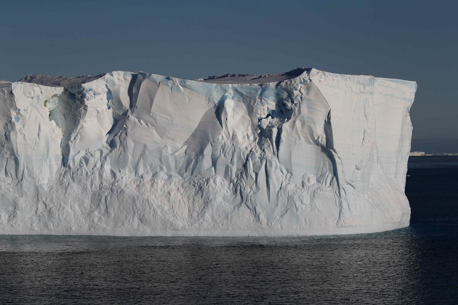 'ภูเขาน้ำแข็ง' ใหญ่สุดในโลก หลุดออกจากทวีปแอนตาร์กติกา