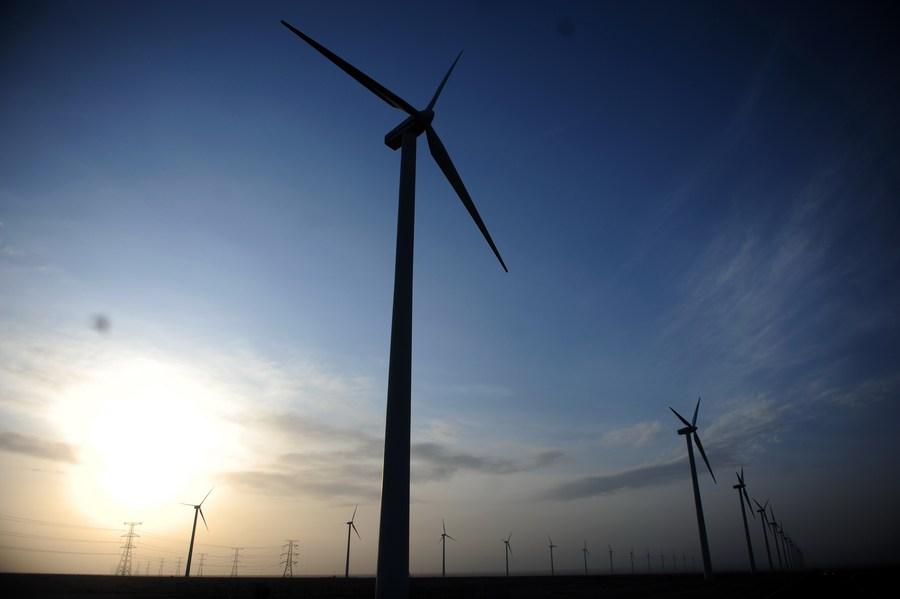 สื่อต่างชาติจับตา 'เมืองเชื้อเพลิงฟอสซิลจีน' พัฒนาสู่ 'โอเอซิสพลังงานหมุนเวียน'
