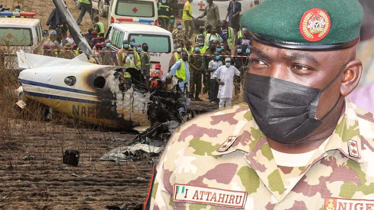"""ไนจีเรียสูญเสีย """"เสนาธิการทหารบก"""" สังเวยเครื่องบินตกพร้อมเจ้าหน้าที่ 10 ราย"""