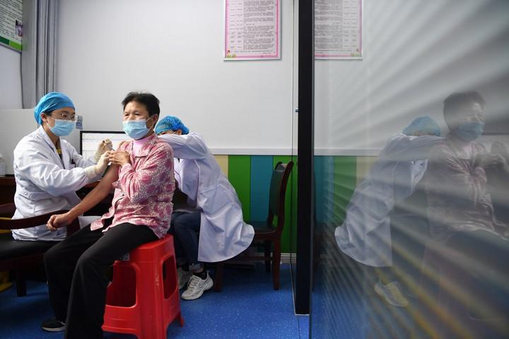 จีนแผ่นดินใหญ่พบป่วยโควิด-19 จากต่างแดน 18 ราย
