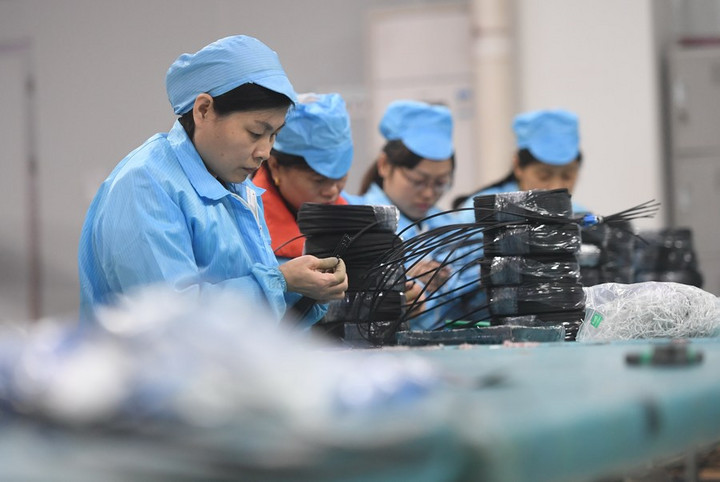 จีนเผยธุรกิจผลิต 'ข้อมูลอิเล็กทรอนิกส์' โตแข็งแกร่ง
