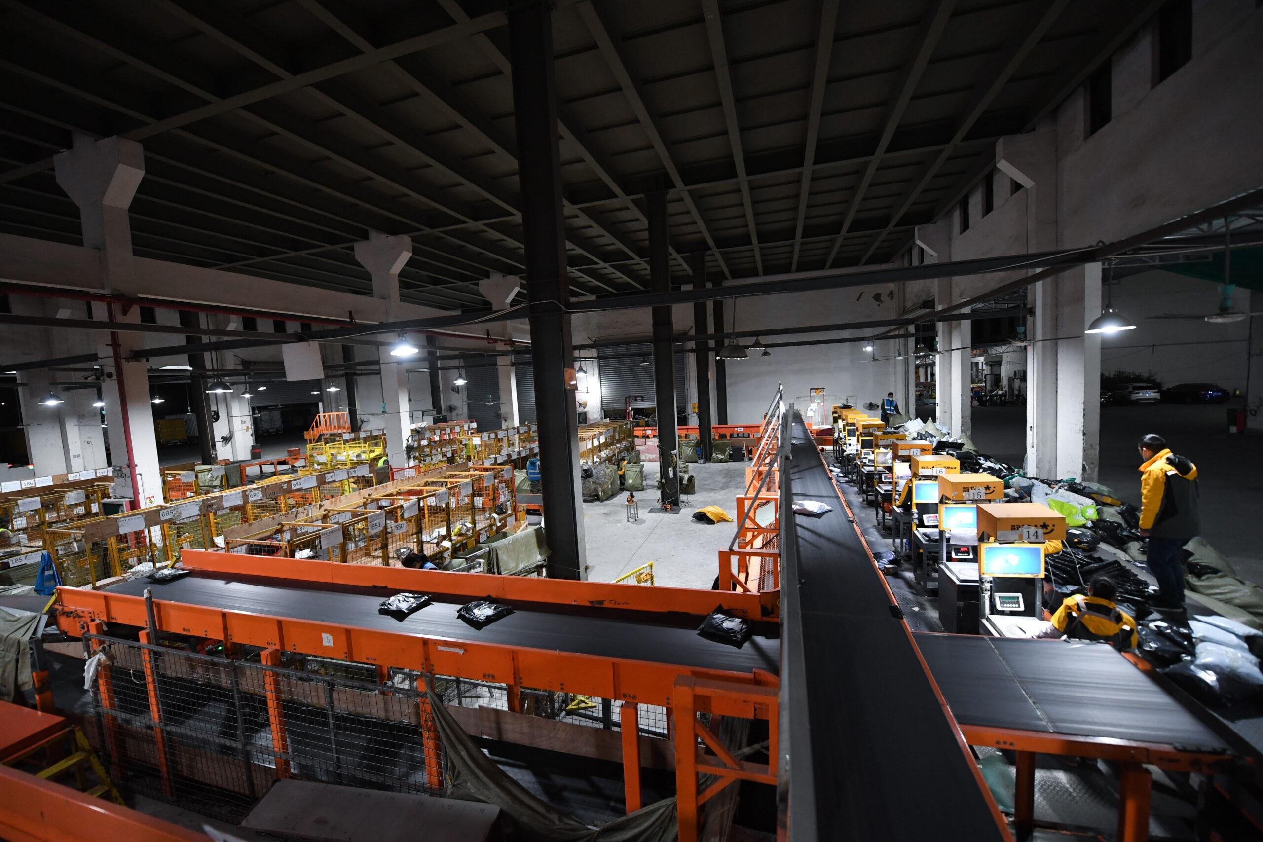 อุตสาหกรรม 'โลจิสติกส์' ของจีน เติบโตคืนระดับก่อนโควิด-19