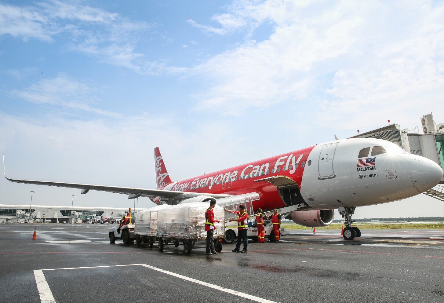 แอร์เอเชีย เทเลพอร์ต เปิดบริการขนส่งสินค้าโบอิ้ง 737-800 และ A320 ดัดแปลงเฉพาะ