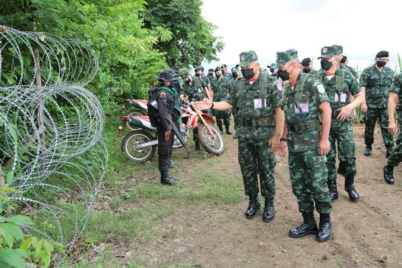 ผบ.ทสส. ตรวจชายแดนไทย-กัมพูชา ย้ำมาตรการป้องโควิด-19 ลักลอบเข้าเมือง