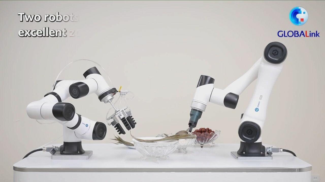 ส่อง 'เชฟหุ่นยนต์' โชว์ลีลาทำ 'บ๊ะจ่าง' สุดคล่องแคล่วในกวางตุ้ง