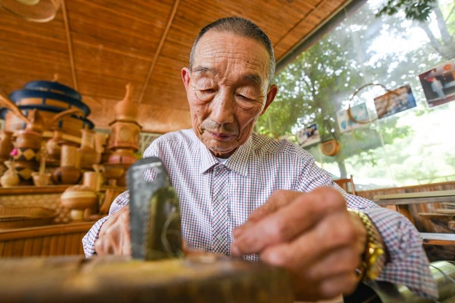 รู้จักยอดฝีมือ 'จักสานไม้ไผ่' มรดกอายุ 2,000 ปี แห่งเสฉวน