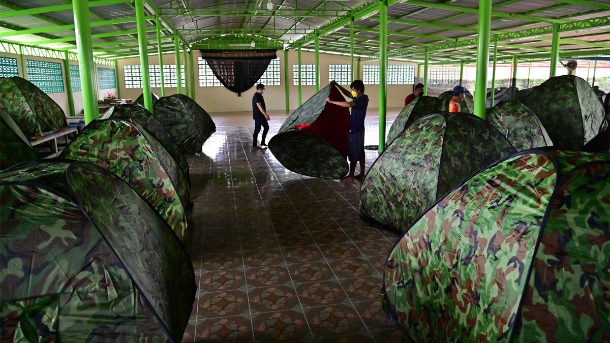 เตรียมที่กักตัว คลัสเตอร์โรงชำแหละหมู นครปฐม หลังติดเชื้อกว่า 100 คน