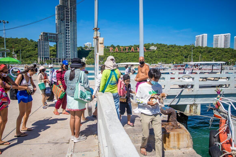 วันหยุดเกาะล้านแน่นที่พักเต็มหลังเปิดให้นักท่องเที่ยวมาเที่ยวได้ตั้งแต่วันที่ 14 มิถุนายน