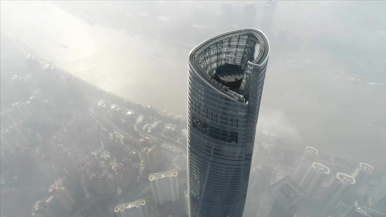 สูงเสียดฟ้า! ยลโฉม 'เจ โฮเทล' โรงแรมหรูกลางเมฆ ในมหานครเซี่ยงไฮ้
