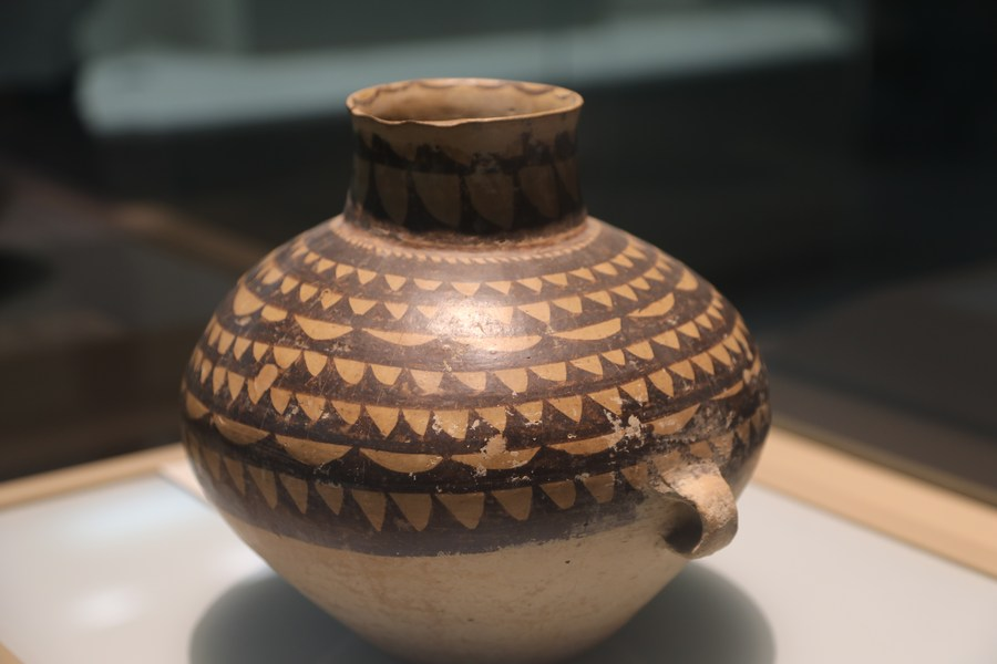 เครื่องปั้นดินเผาเล่าวัฒนธรรม 'หม่าเจียเหยา' เก่าแก่ 5,000 ปี