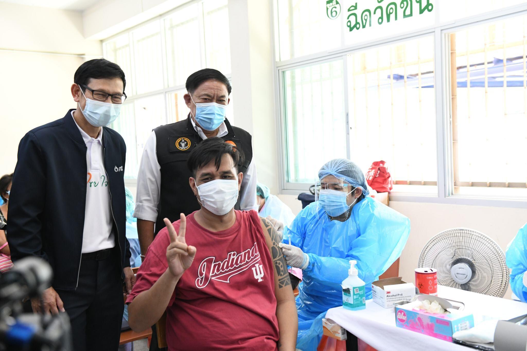 กทม.จับมือ ปตท. ฉีดวัคซีนโควิดกลุ่มคลัสเตอร์สำคัญ จ่อเพิ่มฮอสปิเทลรองรับผู้ป่วย