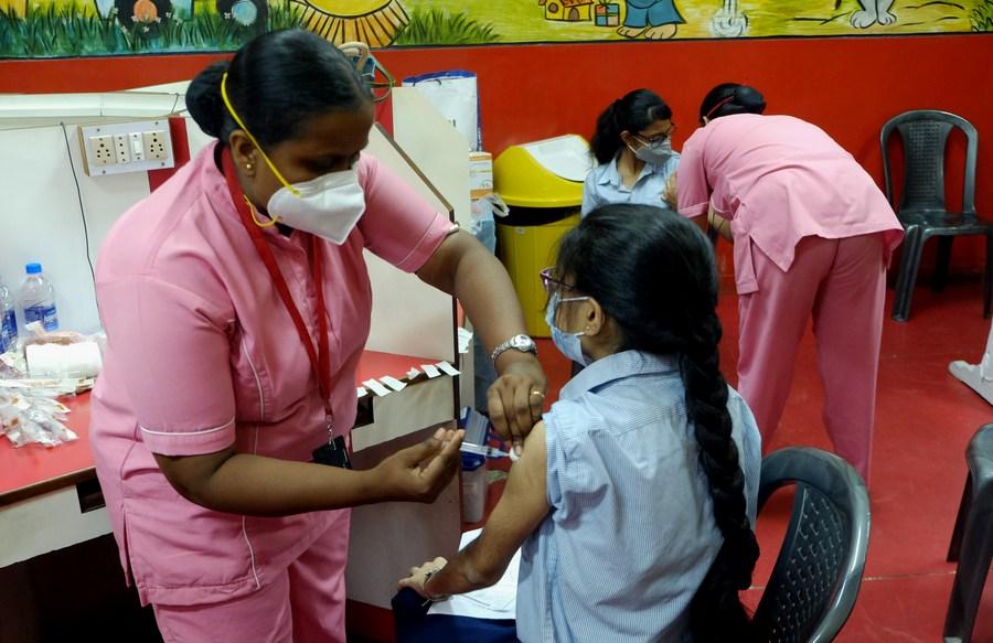 หัวหน้าหน่วยวัคซีนโควิด-19 'อินเดีย' ชี้ไม่ต้องปรับช่วงเว้นฉีด 'โควิชีลด์'