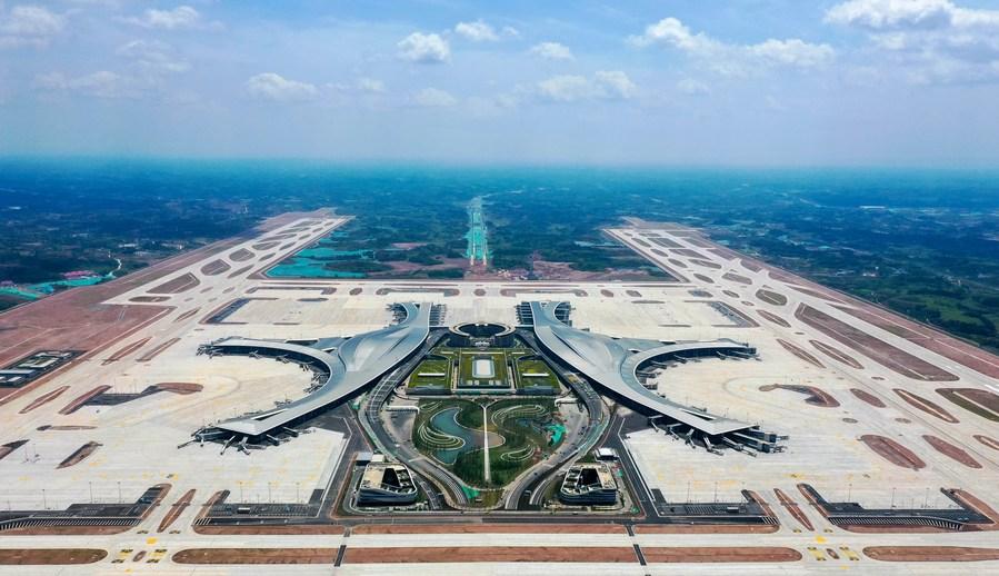 เปิดแล้ว! 'เฉิงตู เทียนฝู่' สนามบินพลเรือนใหญ่สุดของจีน