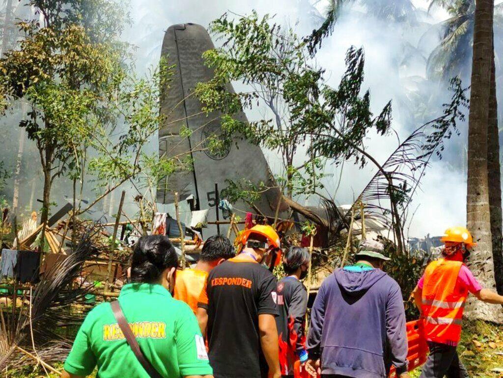 เผยยอดเสียชีวิตกรณี ซี-130 ฟิลิปปินส์ตกเพิ่มเป็น 31 ราย บาดเจ็บ 50 นาย ปัดถูกผู้ก่อการร้ายยิง