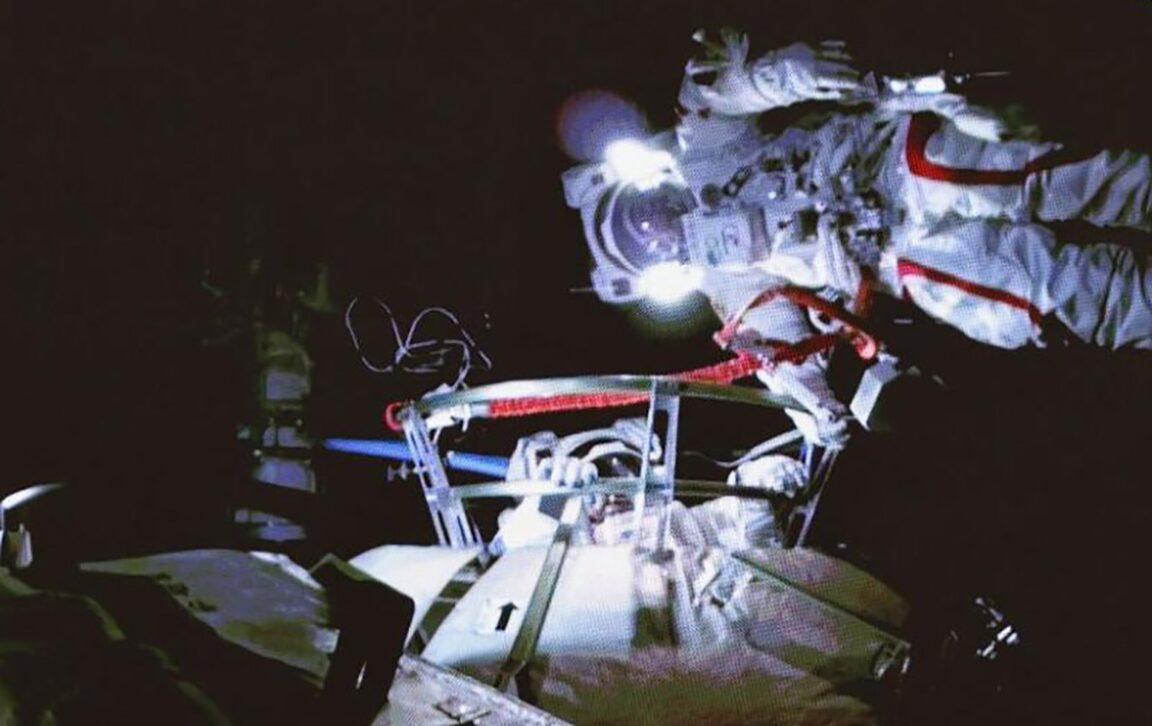 ด้านมืดอวกาศจีน นักวิทย์ถูกเจ้าหน้าที่รัฐซ้อมปางตาย วัย 85 ยังโดน