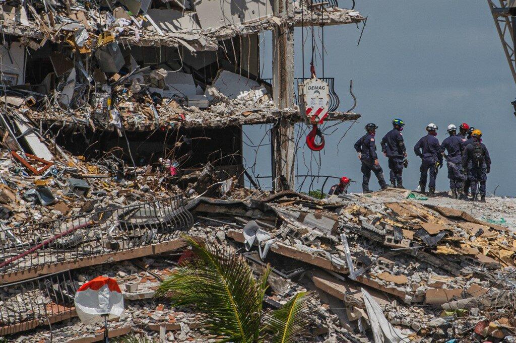 เหยื่อคอนโดในฟลอริดาถล่มพุ่ง 64 ราย สูญหาย 76 คาดเสียชีวิตหมด