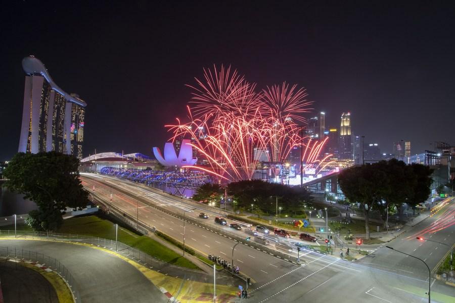 'สิงคโปร์' ซ้อมการแสดงสุดตื่นตา เตรียมรับวันชาติ