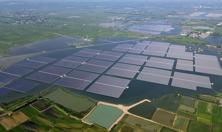 อันฮุยผุด 'โซลาร์ฟาร์มลอยน้ำ' เพิ่มรายได้ชาวบ้านท้องถิ่น