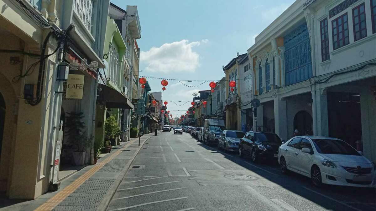 ซบเซาหลังล็อกดาวน์ ภูเก็ตเหลือแต่ต่างชาติ ไร้คนไทยเที่ยว โรงแรมเชียงใหม่ปิดเกิน 70%