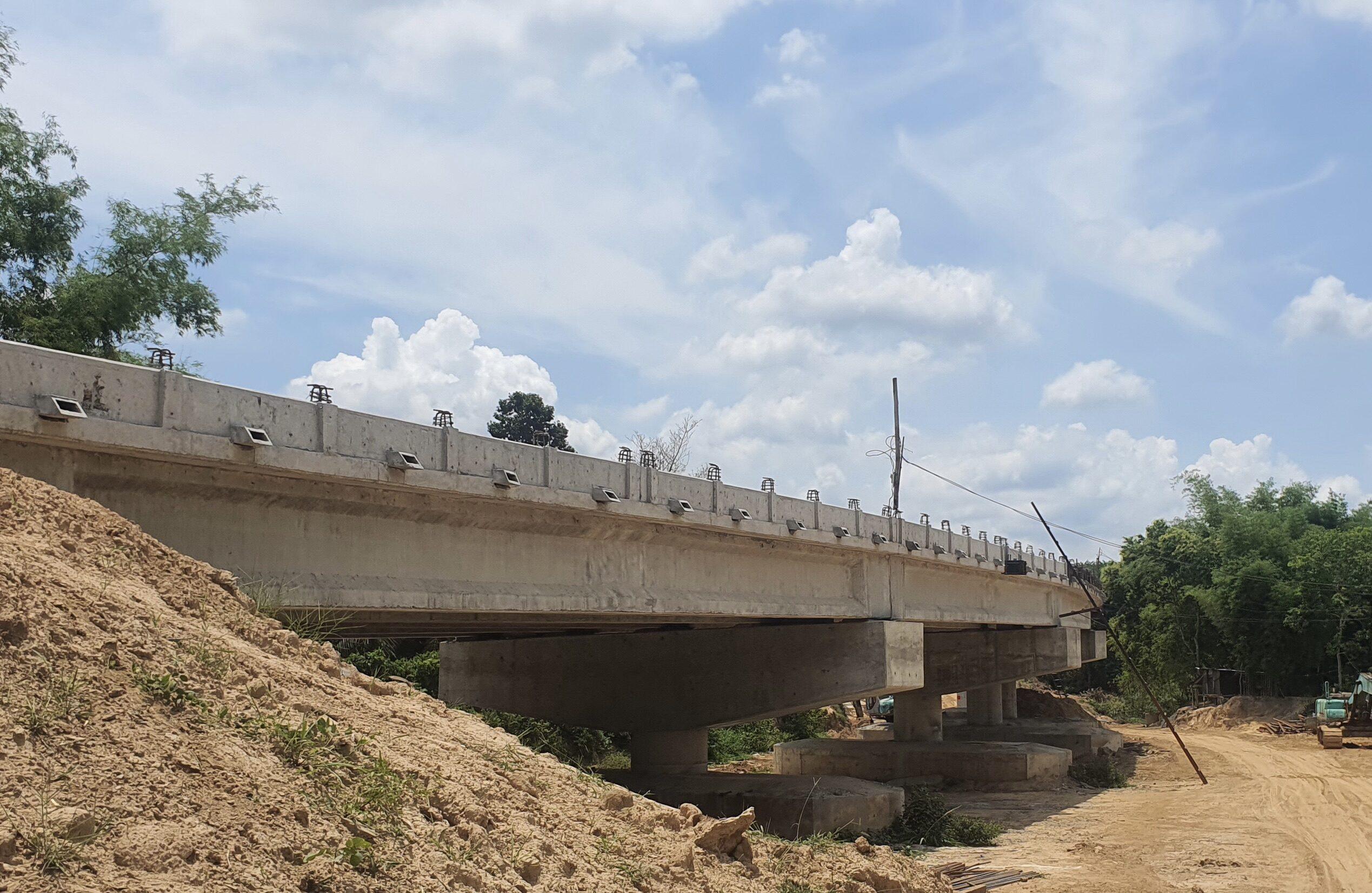 ทช.ผุดสะพานข้ามห้วยขะยูง อ.กันทรลักษ์ ร่นระยะทาง 15 กม. ช่วยประชาชนสัญจรสะดวก