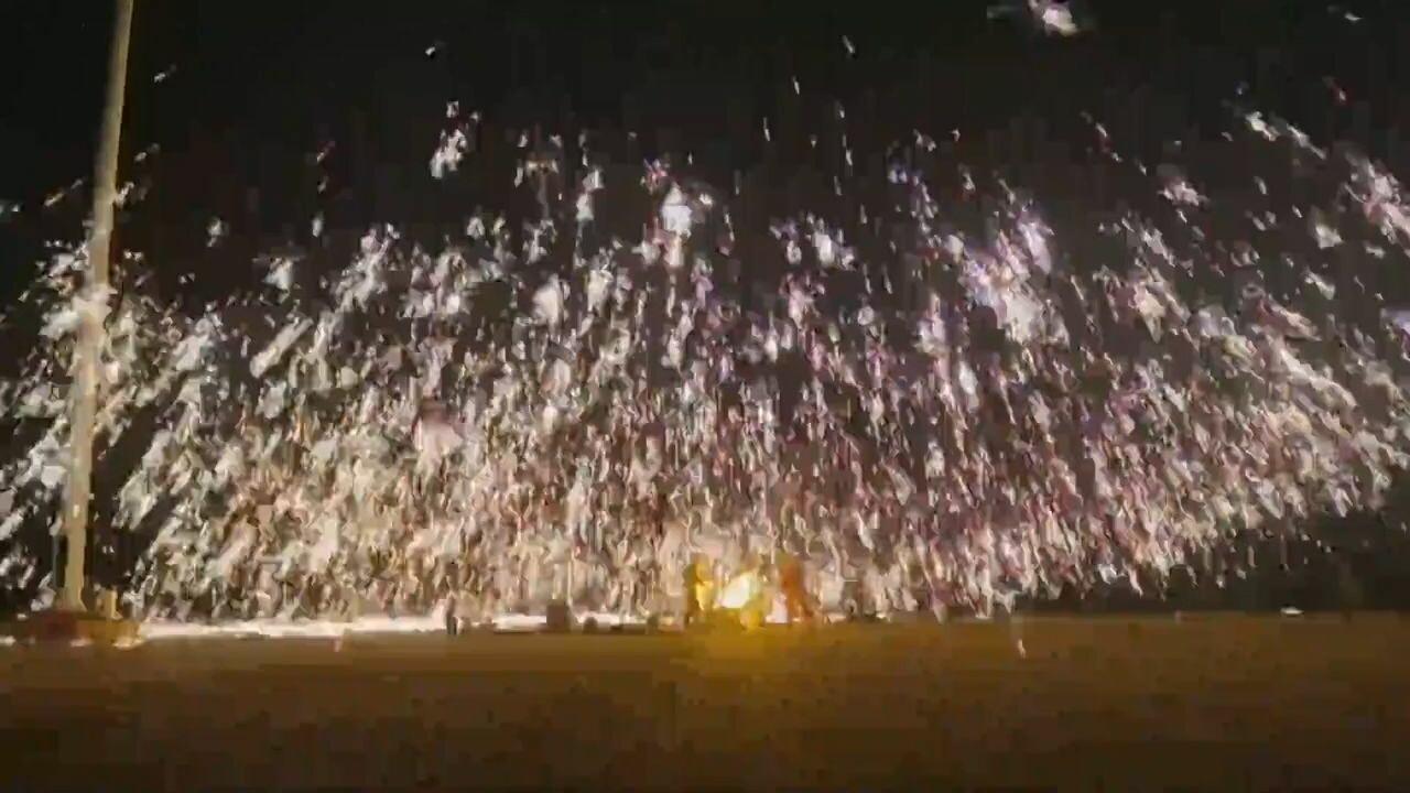 สะกดตา! 'ดอกไม้ไฟเหล็กหลอมเหลว' ศิลปะโบราณในมองโกเลียใน
