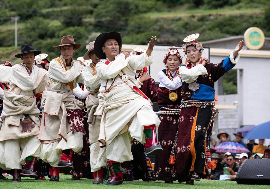 เทศกาลท่องเที่ยวเชิงเกษตรของชาวทิเบตในเสฉวน