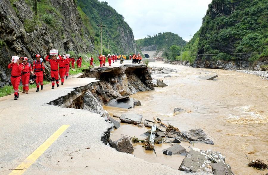 น้ำท่วมผลพวงฝนถล่ม 'ส่านซี' กระทบประชาชนแล้วเกือบ 70,000 ราย