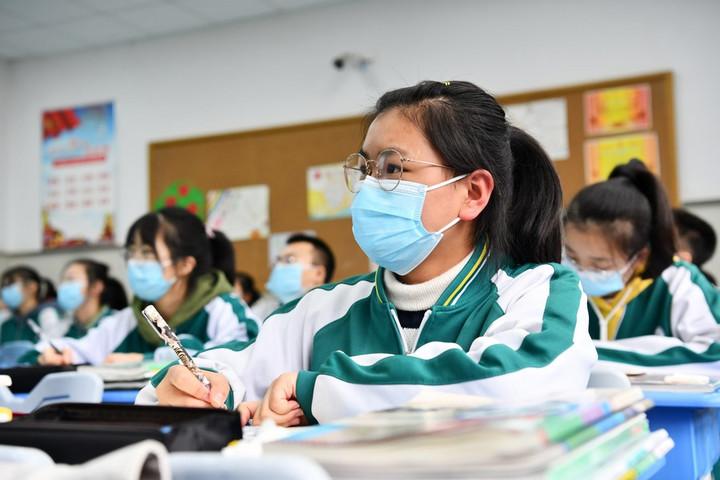 จีนออกแนวปฏิบัติลด 'การบ้าน-เรียนพิเศษ' แบ่งเบาภาระนักเรียน