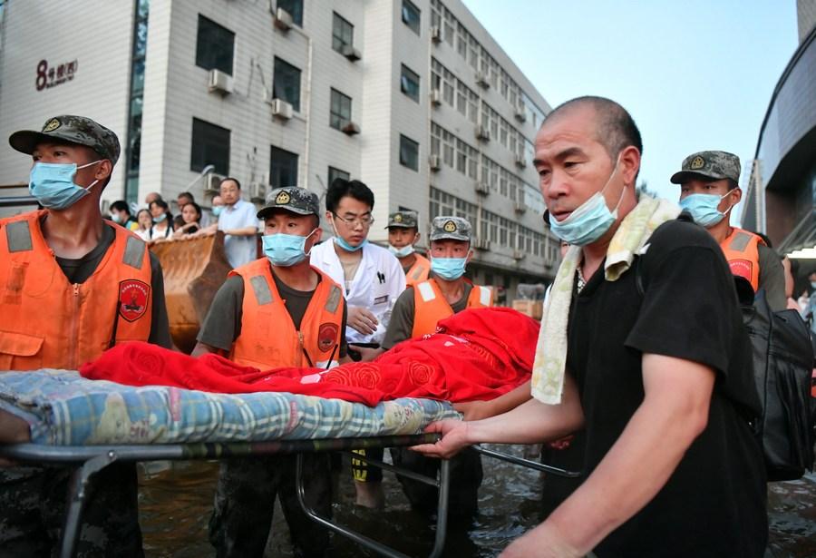 จีนส่ง 'ทหาร-ตำรวจ' ช่วยพื้นที่ประสบภัยพิบัติ