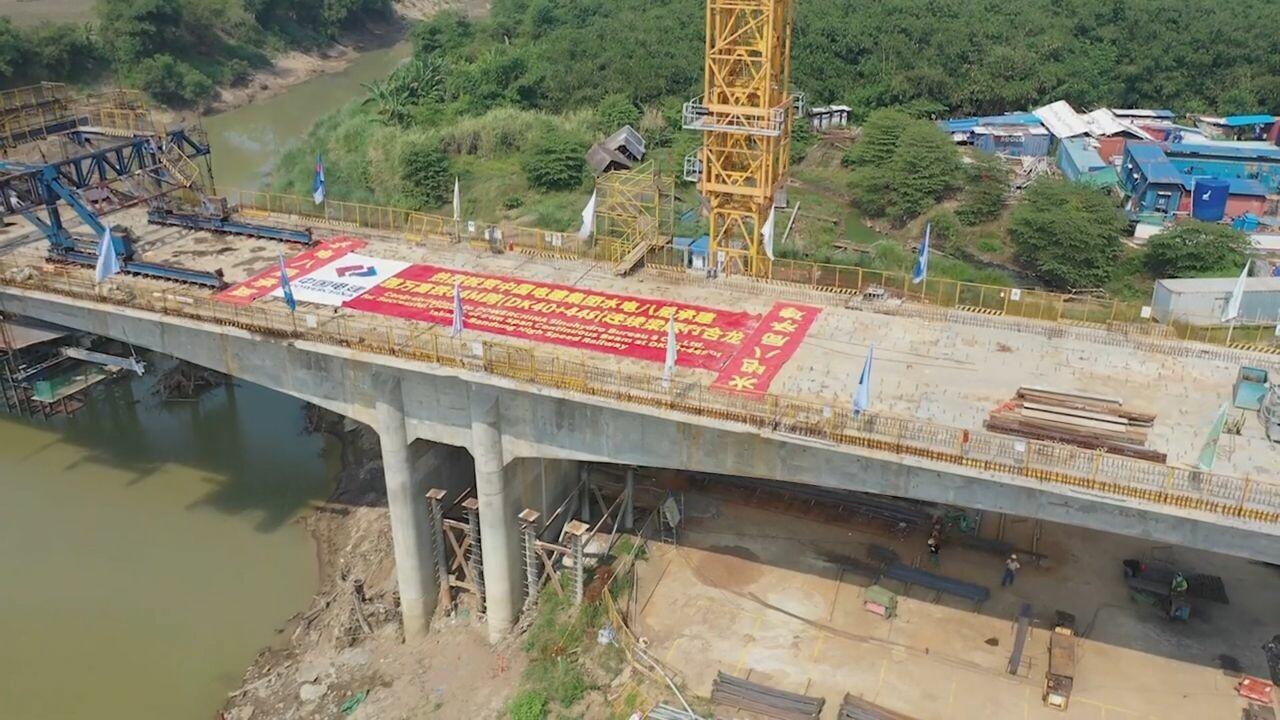 อินโดฯ เชื่อมคานต่อเนื่องทางรถไฟความเร็วสูง 'จาการ์ตา-บันดุง' เสร็จแล้ว 24 อัน