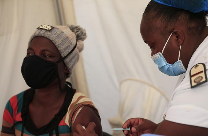 ประชากรใน 'ประเทศรายได้ต่ำ' ได้ฉีดวัคซีนโควิด-19 ไม่ถึง 1%