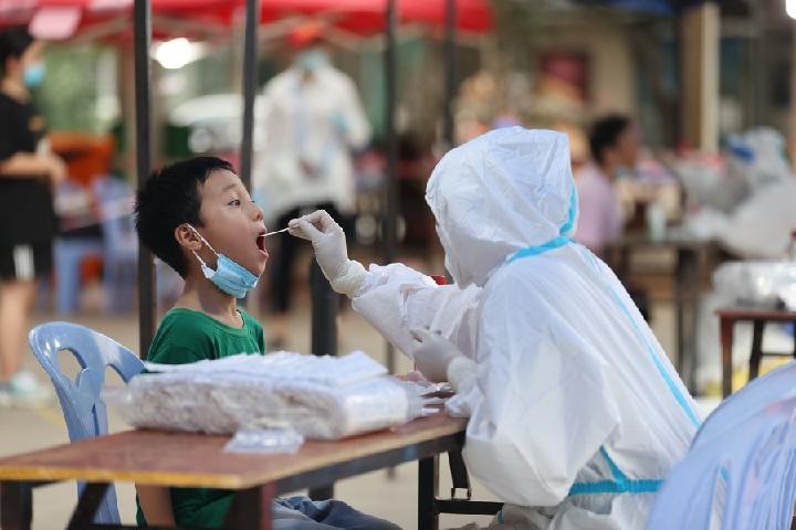 จีนพบป่วยโควิด-19 ติดเชื้อในท้องถิ่น เพิ่ม 328 ราย ในเดือนก.ค.