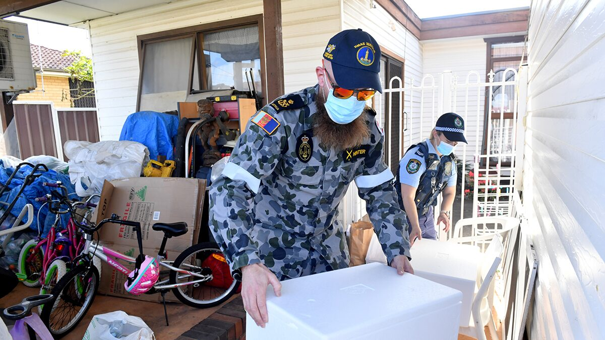 โควิด: ทหารออสซี่มาซิดนีย์ ช่วยตำรวจคุมล็อกดาวน์ จัดส่งอาหารแก่ประชาชน