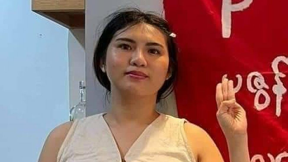 รัฐประหารเมียนมา : ผู้ประท้วงต่อต้านการรัฐประหารหญิงผู้กระโดดตึกเสียชีวิตเพื่อหนีการจับกุมของตำรวจ