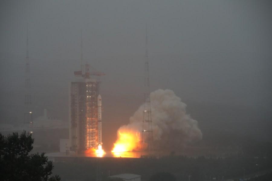 จีนส่ง 'กลุ่มดาวเทียม' ขึ้นสู่วงโคจรสำเร็จ