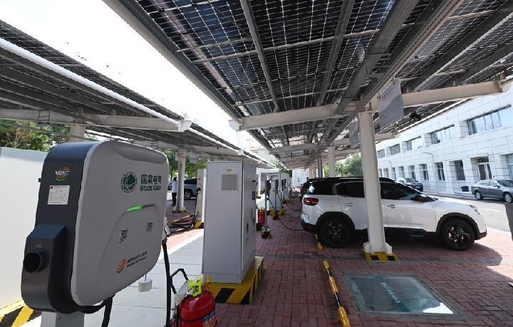 'รถยนต์พลังงานใหม่' รุกเจาะตลาดจีน ยอดขายทะลุล้านสามปีซ้อน