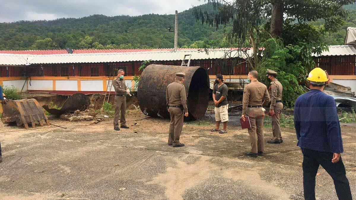 พ่อเฒ่าวัย 70 ใช้หินเจียร์ ตัดถังน้ำมันเก่า 5,000 ลิตร ก่อนบึ้มสนั่น ดับสลด