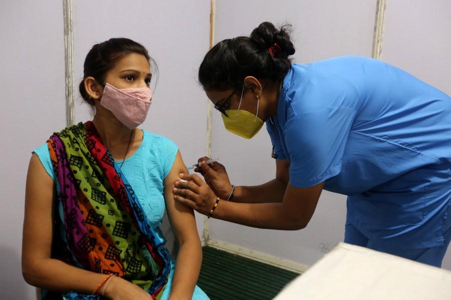 อินเดียฉีดวัคซีนโควิด-19 กว่า 9.3 ล้านโดสในวันเดียว