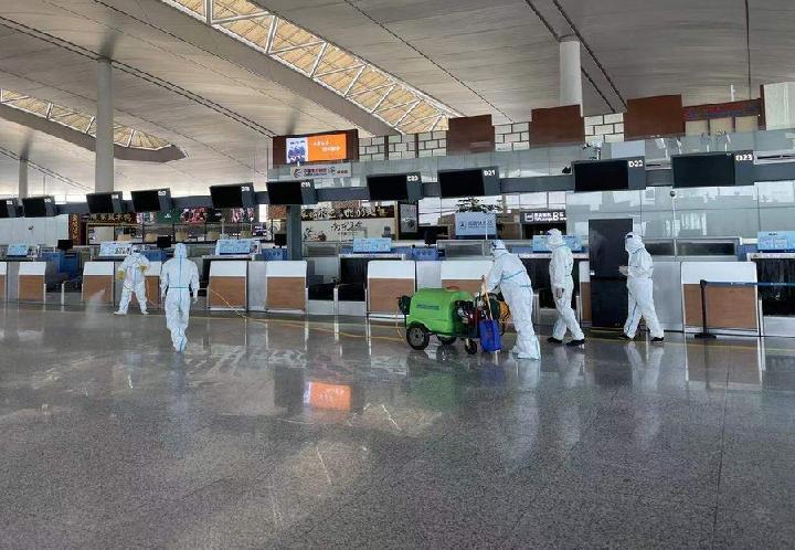 จีนปลดผู้บริหาร 'สนามบินหนานจิง' ปมโควิด-19 กลับมาระบาด