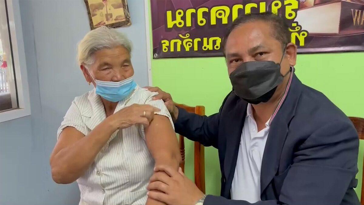 วอนภาครัฐตรวจภูมิ ยายเบิ้ลวัคซีนวันเดียว 2 เข็ม ชี้อาจเป็นวิธีฉีดแบบใหม่